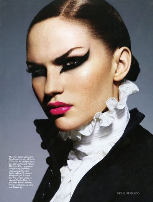 Make up by Val Garland. Learn directly from Val on this online course and get the inside track on how to get ahead as a make-up artist in the fashion industry >> https://www.mastered.com/course-listings/the-val-garland-school-of-make-up/overview?utm_source=Pinterest&utm_medium=Pins&utm_campaign=Val