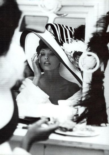 Linda Evangelista by Steven Meisel for Vogue- 90's