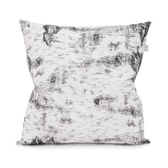 Bring in the nature with Björk cushion cover from Fine Little Day! The cushion cover is made in 100% cotton and has a stylish digital print with the trunk of a birch. A lovely cushion cover that adds harmony to your living room. Combine with other cushion covers from Fine Little Day.