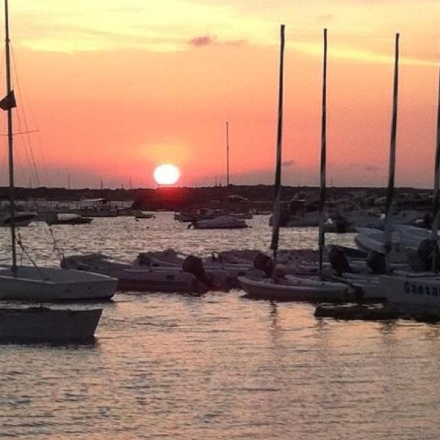 Puesta de sol puerto de la savina, Formentera.  Illes Balears