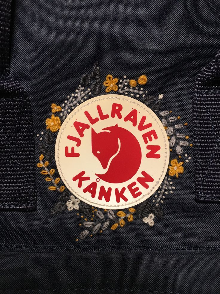 Fjällräven kåken with embroidery