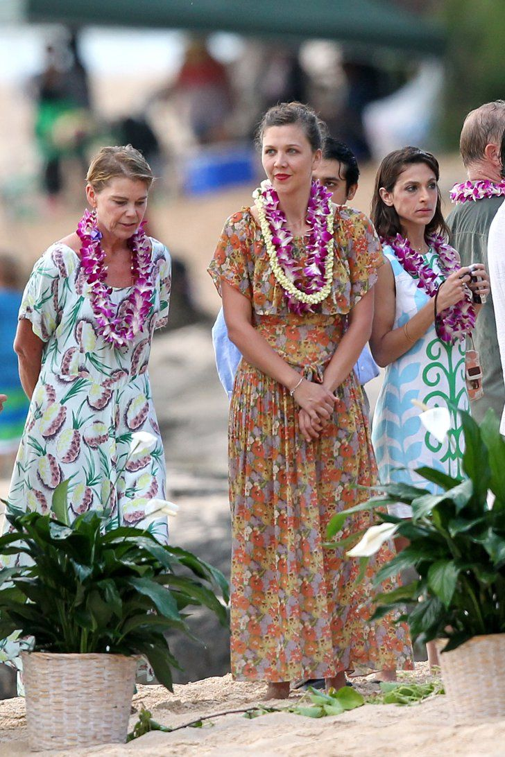 Pin for Later: Can You Spot All the Famous Wedding Guests?  Maggie Gyllenhaal wore Hawaiian garb at her dad Stephen Gyllenhaal's wedding in July 2011.