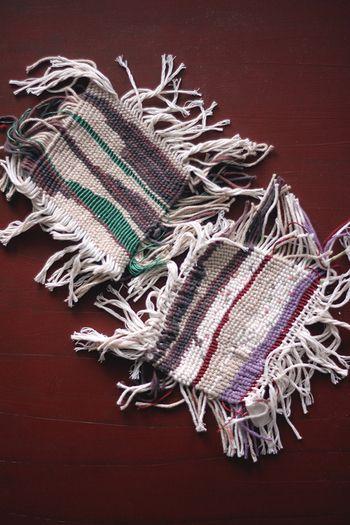 きれいな模様のしっかりとした織物を作ることもできます。手仕事ならではのランダムな織り模様、雰囲気がありますね。