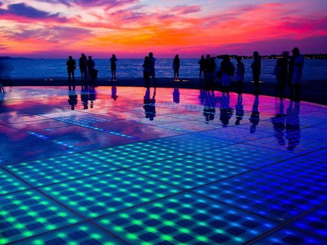 Do you wanna dance under a magnificent sunset! #SunSalutation #Zadar #Croatia #magnificent
