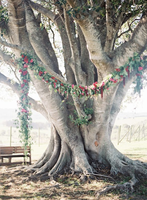floral garland, elyssium blooms, Woodlands of Marburg wedding photos