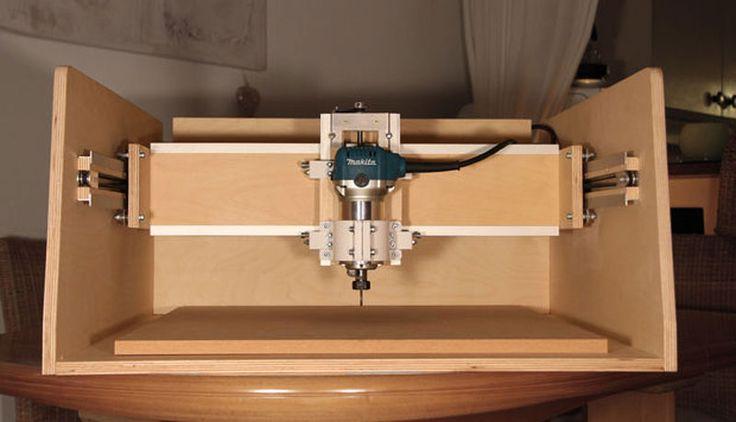 A continuación te dejo un estupendo tutorial que te enseña a montar una pequeña máquina CNC casera controlada con Arduino