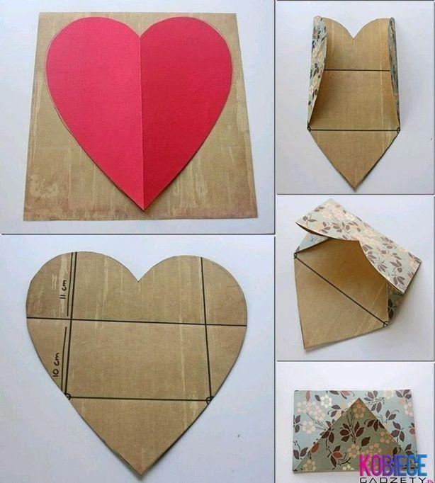 Een envelop. Uitgevouwen een hart