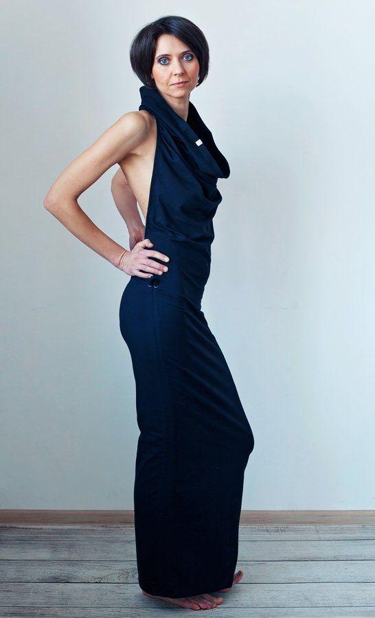 Czarna sukienka MoreLove TANTRA (proj. MoreLove), do kupienia w DecoBazaar.com