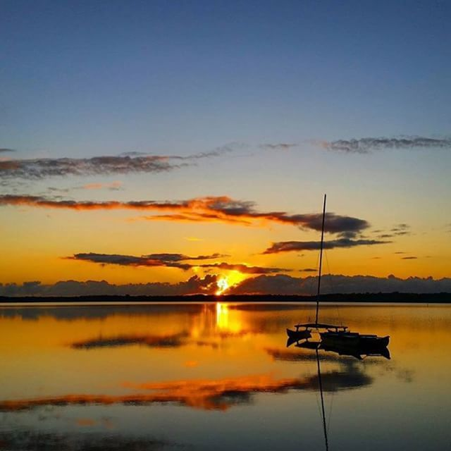 First light breaking through at Lake Cooroibah!