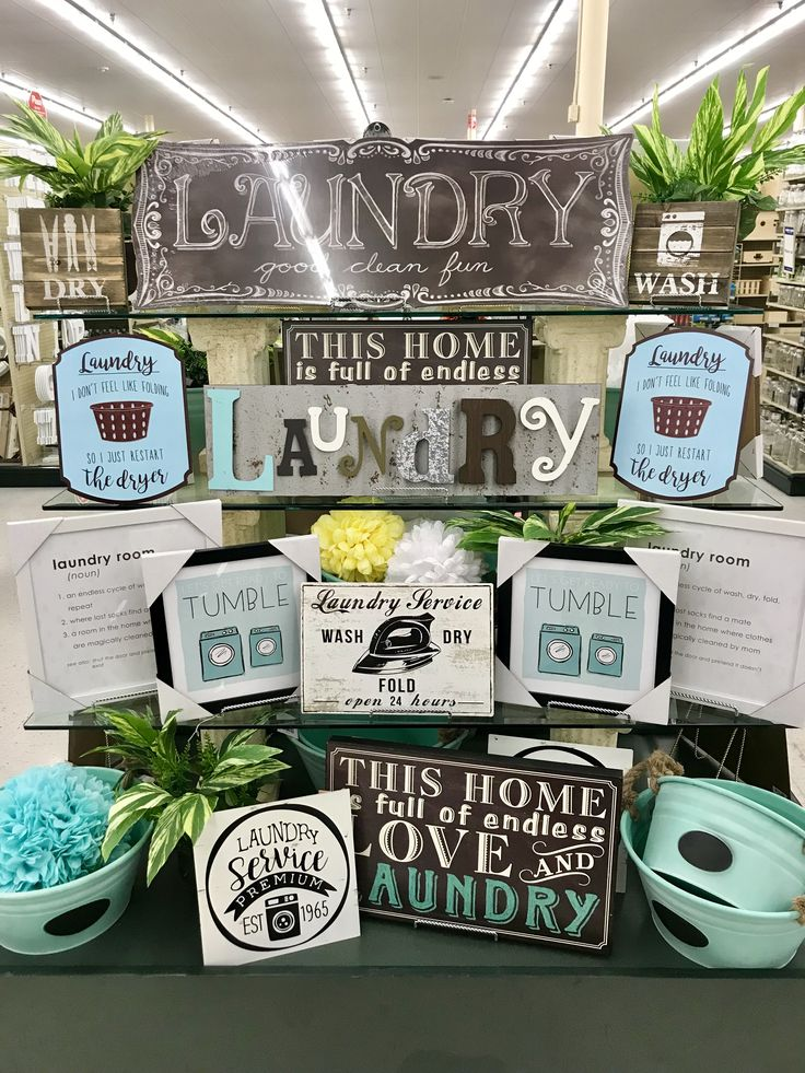 Hobby Lobby Merchandising Tisch zeigt Arbeit – Waschküche