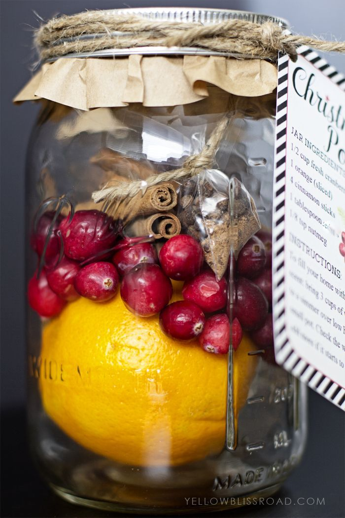 Christmas Potpourri with free printable tag