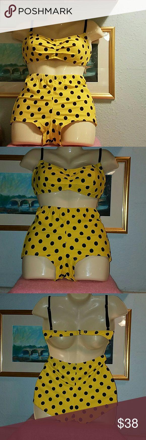 Girl Howdy pin up yellow polka dot bikini Girl howdy pin up yellow polka dot bikini.  High waist. Girl howdy  Swim Bikinis