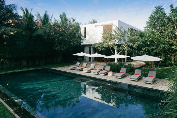 The beautiful Villa Ni Say in Siem Reap welcomes Utopia Members with a 15% discount. Find them at http://www.utopia-asia.com/accsiem.htm