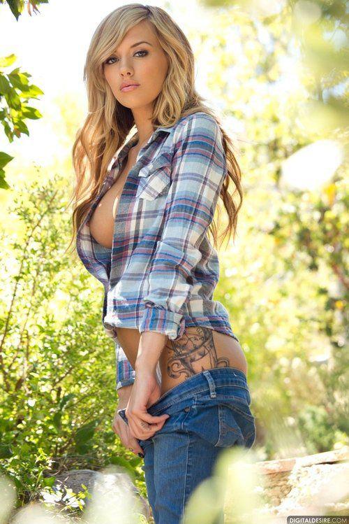 Cudowna blondynka z tatuażem #tattoo
