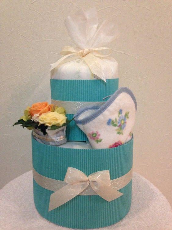 ここ数年で、出産祝いの定番となった「おむつケーキ」。espressivoでは、おむつの実用性だけでなく、出産を頑張ったママへのプレゼントとしても小さなお花を贈...|ハンドメイド、手作り、手仕事品の通販・販売・購入ならCreema。