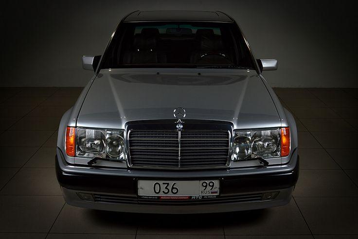 Mercedes-Benz 500E.