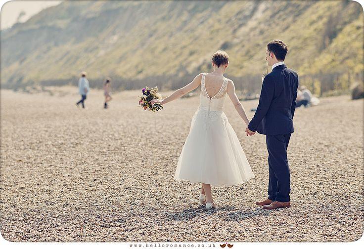 Cute beach wedding photos - www.helloromance.co.uk