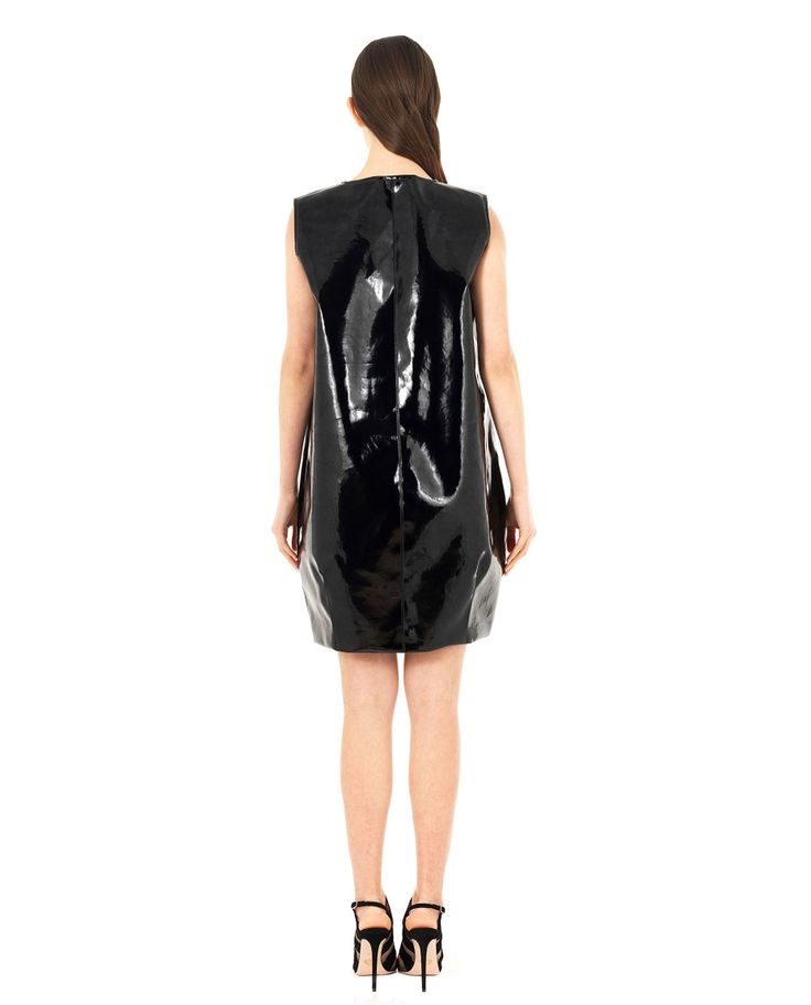 DOMENICO CIOFFI FAUX LEATHER DRESS WITH ZIPPER S/S 2016 Black shiny faux leather dress crew-neck sleeveless two front pockets front contrast zipper lining 67% PL 29%PU 4% EA