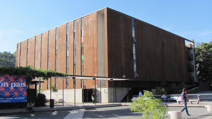 Lo Contador, Universidad Católica, Diseño. Santiago, Chile.