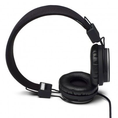Urbanears Plattan headphones - Black `One size Fabrics : Leather, Plastic, Leather, Plastic * Details : foldable, Semi-open, Supra-aural, Microphone and remote control * Color : Black * Base 3,5 mm mini stereo jack on an earpiece with possibility  http://www.MightGet.com/january-2017-13/urbanears-plattan-headphones--black-one-size.asp