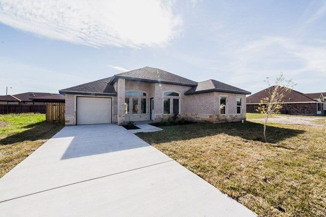 New Construction Home For Sale! Callm (956) 682-3131 to schedule a showing today!  MLS# 216409 1610 W Bella Vista Avenue, Mission
