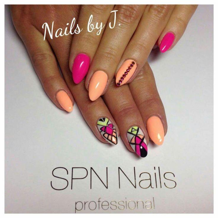 Geometric Art :)  SPN UV LaQ 561 Night in Miami, 502 My wedding dress, 624 Sour Lemon, 503 Black Tulip.  Nails by Julia Bartosz #spnnails #nails #paznokcie