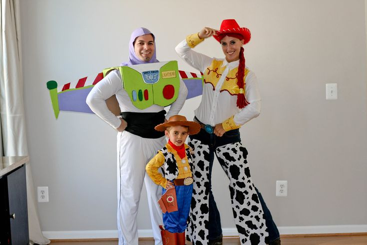 DIY Family Toy Story Costumes from Mama Say What?! Laura shares how she DIY'ed her family's fantastic Toy Story Halloween costumes.