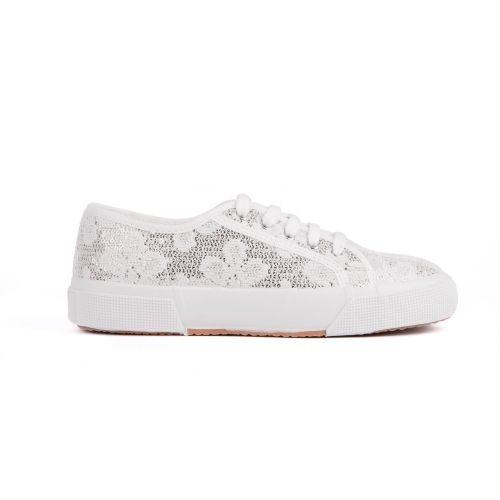 Sneakers Pizzo Lamè - Kammi Calzature Collezione Primavera Estate 2014 Sneakers bianche in tessuto con lavorazione in pizzo e paillettes #scarpe #donna #sneakers #pizzo #pizzolame #paillettes #kammi #calzature #shoes