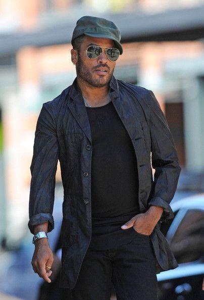 Lenny Kravitz Photos - Lenny Kravitz in Tribeca - Zimbio