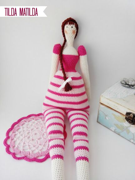 """Tilda Matilda Doll - Free Amigurumi Pattern - PDF Format - Click to """"English here"""" in red letters at the end of the post here: http://pitusasypetetes.blogspot.com.es/2015/02/tilda-crochet-doll-amigurumi-free-pattern.html Also Spanish Pattern click """"Español aquí"""""""