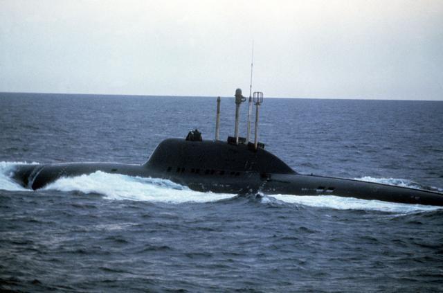 Resultado de imagen de alfa class submarine
