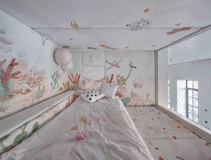 BJ apartment, modern home located in Kiev, Ukraine. Architects Slava Balbek and Anna Riabova