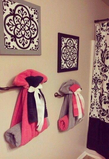Cute way to hang towels in the bathroom