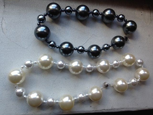 Cooling Necklaces That You Freeze : Best hot girls pearls images on pinterest flashes