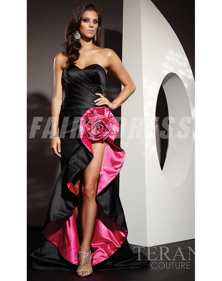 robe de soirée noire sirène avec fleur