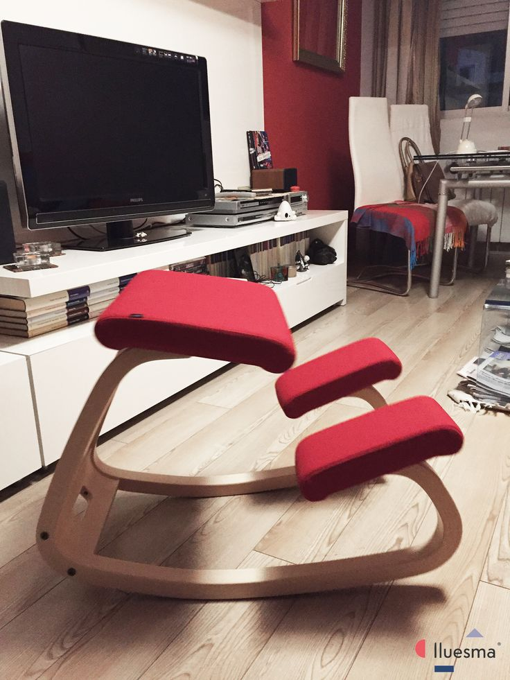 ¡Gracias a Mª Ángeles por participar en nuestro #concurso con esta imagen de su silla Variable balans de #Varier! Si tú también quieres participar, envíanos las fotos de tus productos #Lluesma ¡y podrás ganar un reloj de pared Sunset de Nomon!