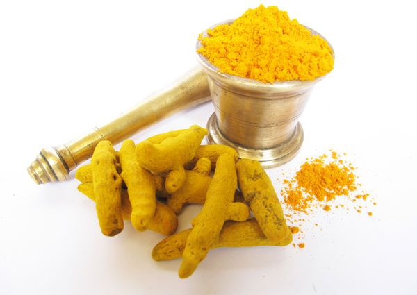 Curcumin, found in the spice turmeric, works with chemo drug Cisplatin to suppress head and neck tumor growth.