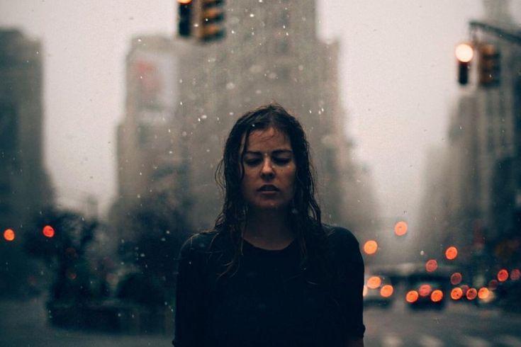 Αυτός που είναι πραγματικά ο άνθρωπός σου δε θα σε αφήσει στιγμή από δίπλα του και δε θα αμφισβητήσει ποτέ τα αισθήματά του για 'σένα, ούτε τα δικά σου για εκείνον.