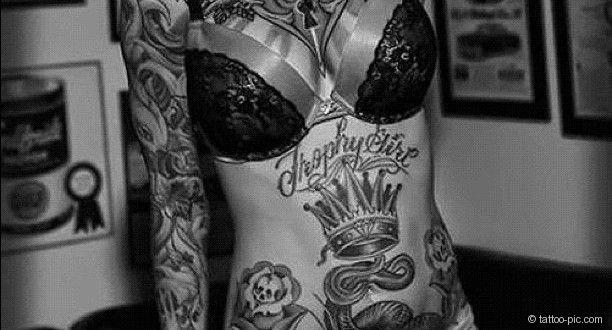 blumen kronen ganzkoerper tattoo frau tattoo pics