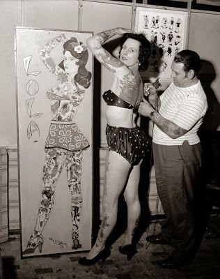 Femmes tatouées dans les années 20's