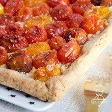 Открытый пирог с помидорами черри / Интересный космос