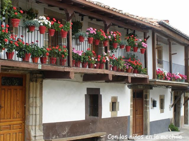 Las llamadas casas populares del barrio de Berrueza.