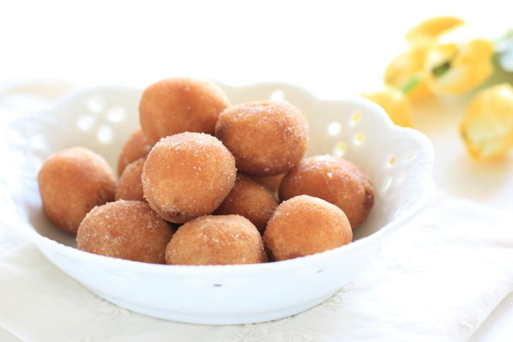 This Greek donut recipe makes for great party snacks, breakfast treats, or any time sweet treats!