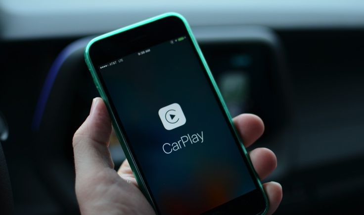 Apple CarPlay now supports Google Play Music    If for some reason you're an iOS and CarPlay user that also manages your tunes with Google Play Music, you're in luck. Google's music service is now compatible with Apple's in-car system, which means    https://www.engadget.com/2017/07/20/apple-carplay-supports-google-play-music/