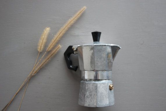Cafetière vintage italienne mini café cuisine ustensile collection ancien inox percolateur pot Bialetti Italie accessoires dinette camping