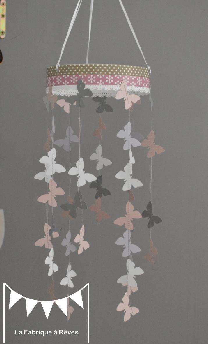 Mobile suspension papillons rose poudré gris et blanc - décoration chambre bébé enfant fille : Jeux, peluches, doudous par la-fabrique-a-reves