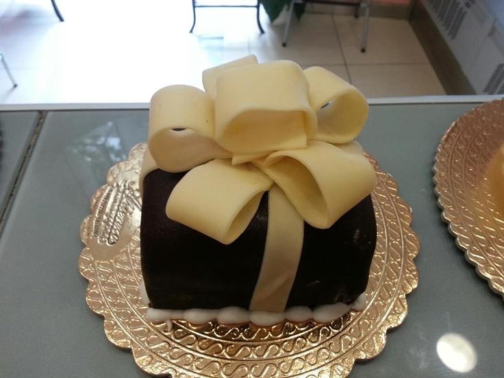 Torta in cioccolato plastico