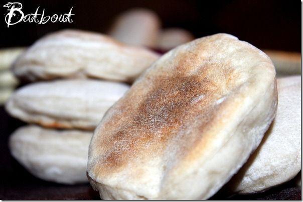 batbouts à la farine, pain marocain