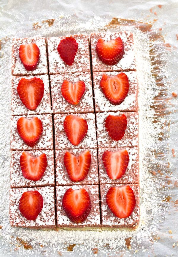 Fresh Strawberry Bars made with Fresh Strawberries! #valentinesday #spring #barrecipe