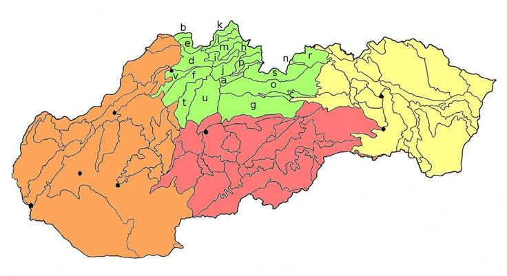 Do severnej skupiny geomorfologických celkov sme zaradili naše najvyššie pohoria, čiže Tatry, Nízke Tatry, Oravské a Kysucké Beskydy, Veľkú a Malú Fatru, Chočské vrchy, ako aj priľahlé oblasti. A práve v priľahlých celkoch je určenie najvyššieho kopca pomerne náročné. Oblasti sme zoradili abecedne a písmenom sme ich vyznačili na priloženej mapke. Za názvom oblasti nasleduje najvyšší kopec a stručný opis.